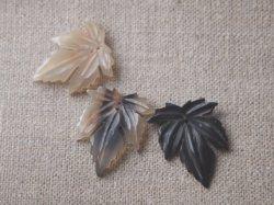 画像1: 水牛角パーツ 葡萄の葉